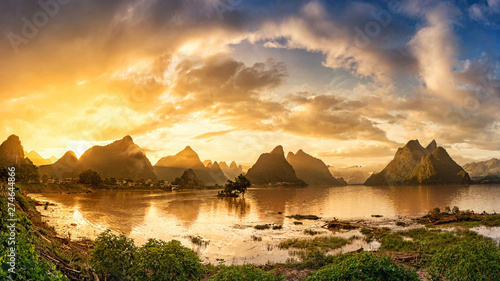 Foto op Canvas Guilin Sunrise of Guilin, Li River and Karst mountains. Located near Yangshuo County, Guilin City, Guangxi Province, China.