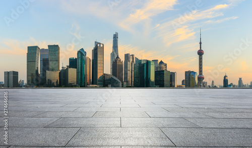 Foto auf AluDibond Shanghai Panoramic skyline and buildings with empty concrete square floor in Shanghai