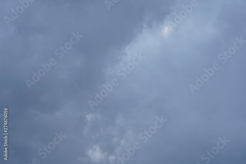 Montage in der Fensternische Darknightsky Cloudy Skies during Thunder Storm