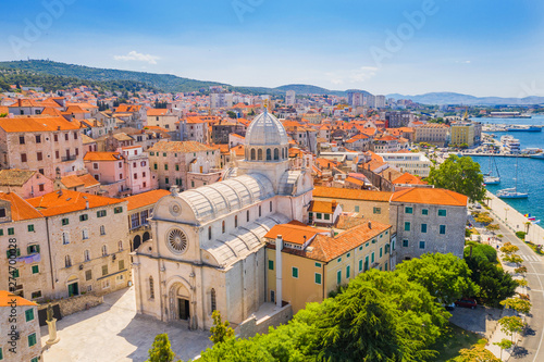 Crédence de cuisine en verre imprimé Con. Antique Croatia, city of Sibenik, panoramic view od the old town center and cathedral of St James, most important architectural monument of the Renaissance era in Croatia, UNESCO World Heritage