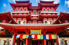 SINGAPORE, SINGAPORE - MARCH 2019:Buddha Tooth Relic Temple In Singapore