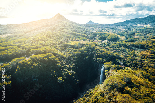Poster Rivière de la forêt Aerial view of Chamarel Waterfall on Mauritius