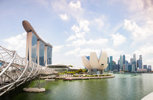 SINGAPORE, SINGAPORE - MARCH 2019:  Singapore Skyline With Marina Bay Sands And Art Science Museum