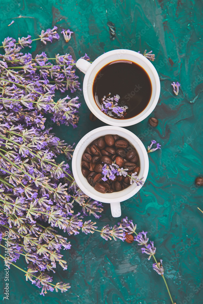 Fototapety, obrazy: Coffee, coffee grain in cups and lavender flower on green background