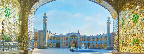Foto  Panorama of Imamzadeh Helal Ali Holy Shrine, Aran o Bidgol, Iran