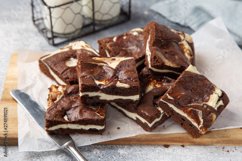 Photo  delicious cheesecake chocolate brownies