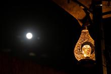 Lanterna Sotto La Luna