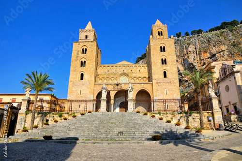 Obraz na plátně  View of the Norman Cathedral of Cefalu, Sicily, Italy during summer