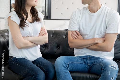 口喧嘩する夫婦 Canvas Print