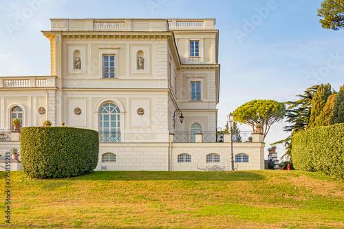 Obraz na płótnie Villa apartment palace house with garden