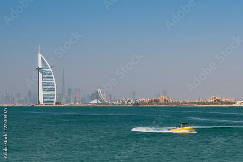 Платно Hotels and boats in luxury Dubai city, United Arab Emirates