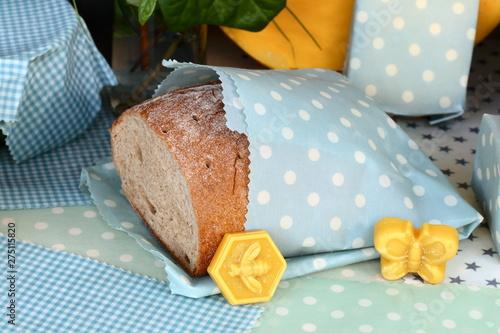 Photo Brot im Wachstuch aus Bienenwachs