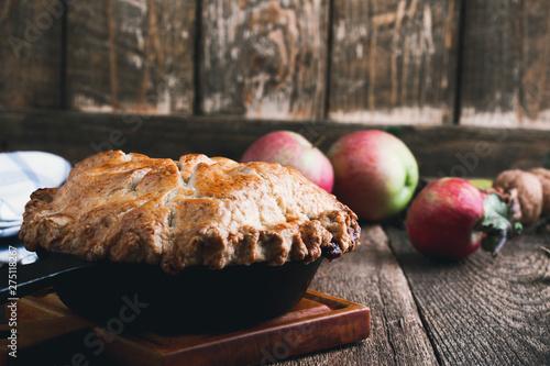 Fotografija Apple pie in cast iron skillet, traditional Thanksgiving dessert