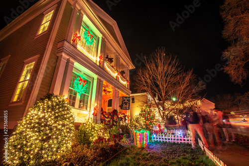 Foto auf Gartenposter Nordlicht Outdoor christmas decorations at christmas town usa