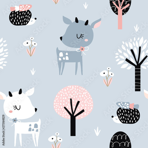 Cuadros en Lienzo Seamless childish pattern with cute deer, hedgehog in the wood