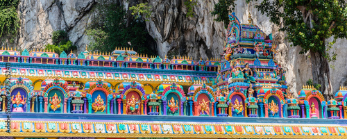 Poster de jardin Kuala Lumpur Batu Caves is a limestone hill that has a series of caves and cave temples in Gombak, Selangor, Malaysia
