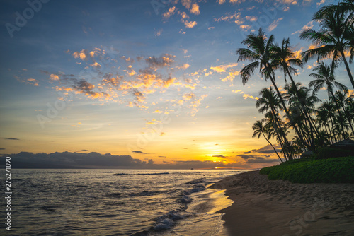 Fototapeta scenery at kaanapali beach in maui island, hawaii obraz na płótnie