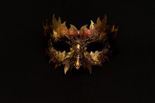 Venetian Mask In Gold And Red ...