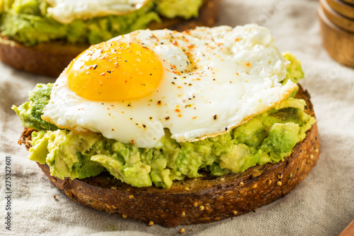 Fotomural Homemade Avocado Toast with Eggs
