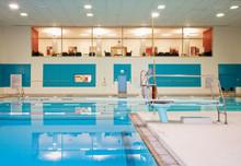 Room Overlooking Indoor Swimmi...