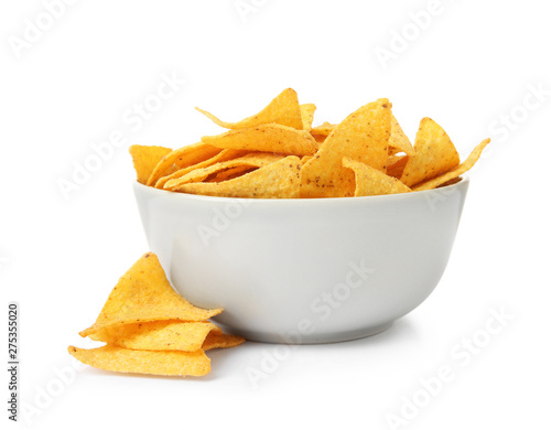 Fotomural Ceramic bowl of Mexican nachos chips on white background