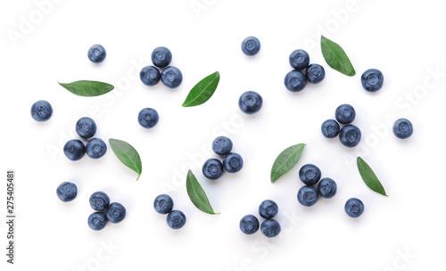 Fotografia Fresh ripe blueberry on white background