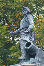 Norway, Oslo, Amiral Peter Tordenskjold Statue
