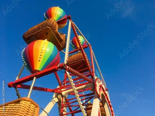 In de dag Amusementspark Spin Me to The Sky
