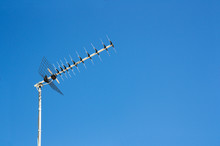 Digital Terrestrial Television Reception Antenna Of A Conventional House