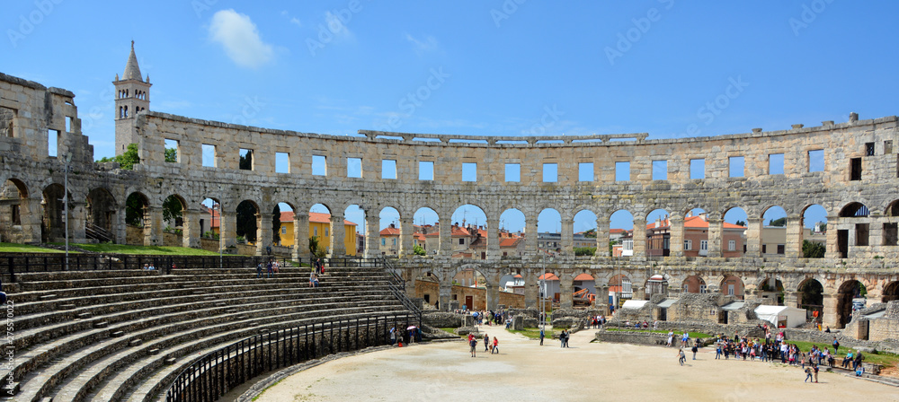 Fototapety, obrazy: The Pula Arena is the famous Roman amphitheater in Pula, Istria, Croatia, Europe. It was constructed in 27 BC–68 AD.