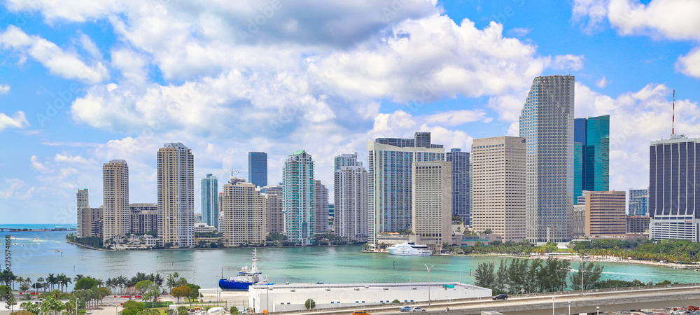 Fototapety, obrazy: Florida, Scenic Miami harbor on a bright sunny day