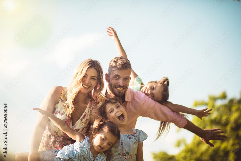 Fototapety, obrazy: One big happy family.