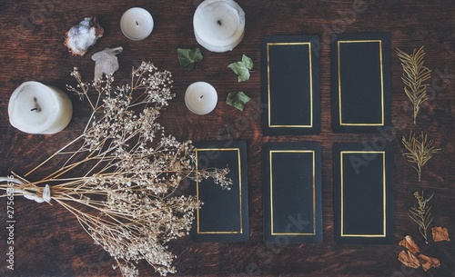 Fotografie, Tablou Tarot 5 card spread on a nature display (flat lay)