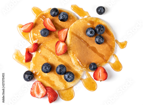 Photo  Pancakes with blueberries and strawberries