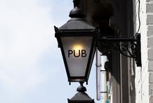 Pub Sign On Retro Style Lamp O...