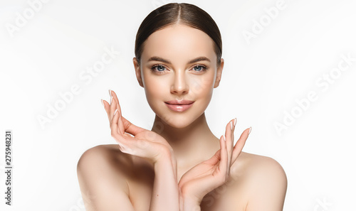 Fotografia Beautiful Young Woman with Clean Fresh Skin