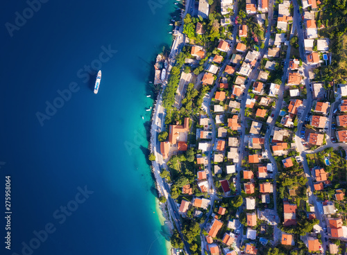 La pose en embrasure Europe Méditérranéenne Dudrovnik, Croatia. Aerial view at the town. Vacation and adventure. Town and sea. Top view from drone at on the houses and azure sea. Travel - image