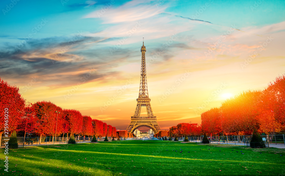 Fototapety, obrazy: Autumn at Champs de Mars