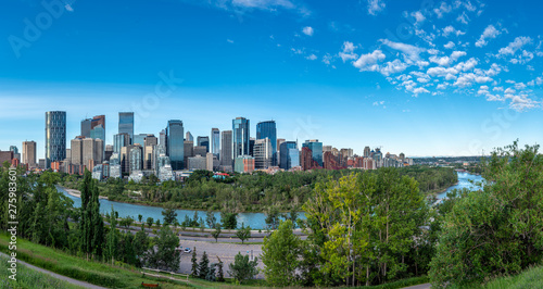 Fototapety, obrazy: Panoramic view of Calgary's skyline on a summer day.
