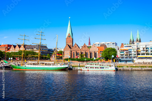 Fotografía  Ships at Weser river, Bremen