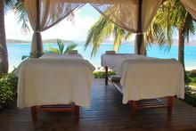 Spa Massage Room At Beachside ...