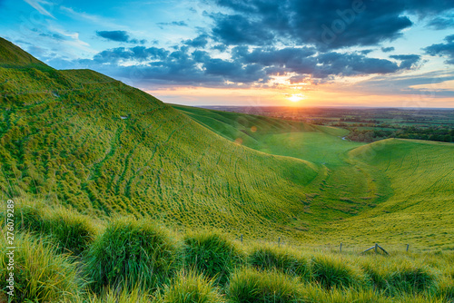 Poster de jardin Morning Glory Dramatic sunset over The Manger in Uffington