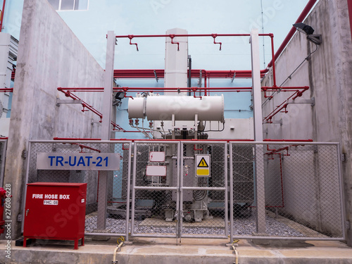 Foto op Aluminium Luchthaven Electrical transformer be applied in industry zone at electrical station of power plant.