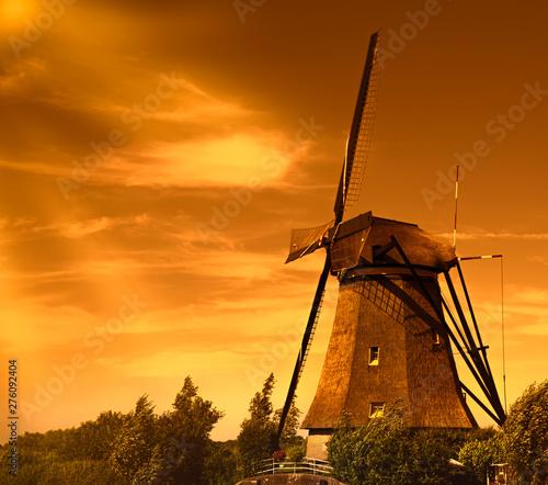 Fototapeta Traditional windmills at Holland. The Netherlands.Kinderdijk obraz na płótnie