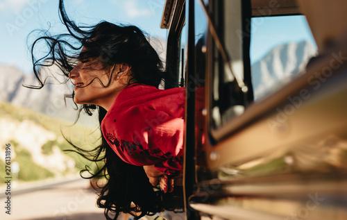 Tablou Canvas Woman enjoying a car ride
