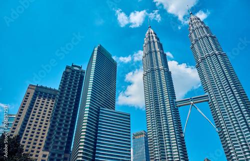 Photo The Petronas Towers in  Kuala Lumpur, Malaysia