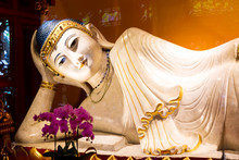 Reclining Buddha In Jade Buddh...
