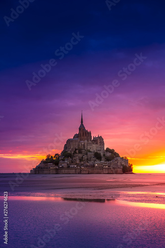 Mont Saint-Michel view in the sunset light. Normandy, France Fototapete