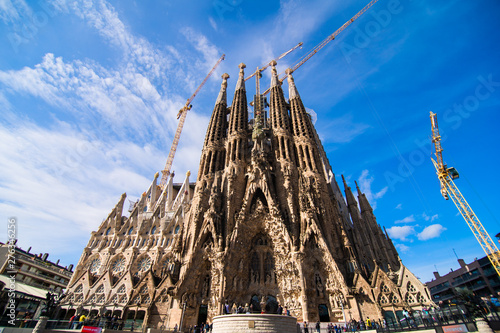 Foto auf Leinwand Barcelona BARCELONA, SPAIN - April, 2019 : Sagrada Familia in Barcelona the most known the buildings created by Antoni Gaudi.