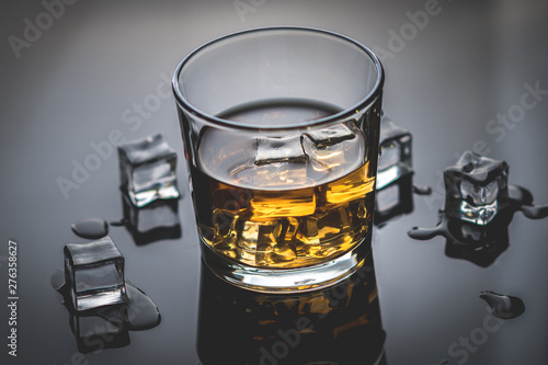 Photo sur Toile Alcool Whisky, whiskey or bourbon with ice